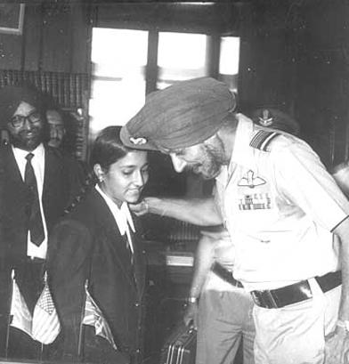 Jyoti Aggarwal, Mr. Nijjar with Chief Guest